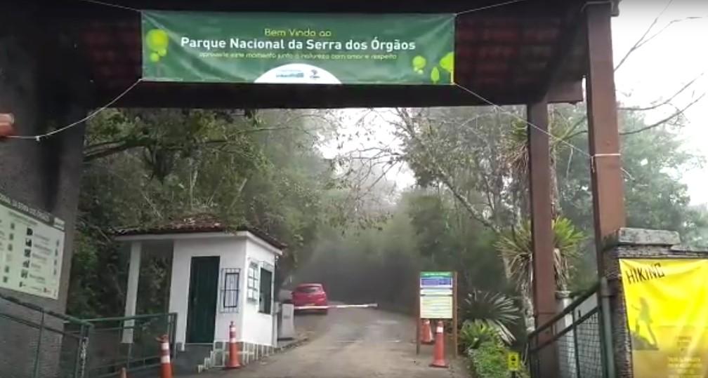 Entrada do Parque Nacional da Serra dos Órgãos por Teresópolis — Foto: Ádison Ramos/Inter TV