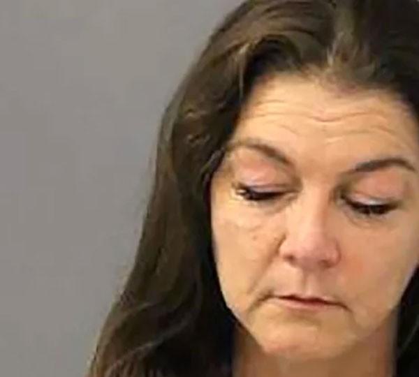 Cantora country Gretchen Wilson foi presa por provocar distúrbios em voo nos EUA (Foto: Foto da Polícia)