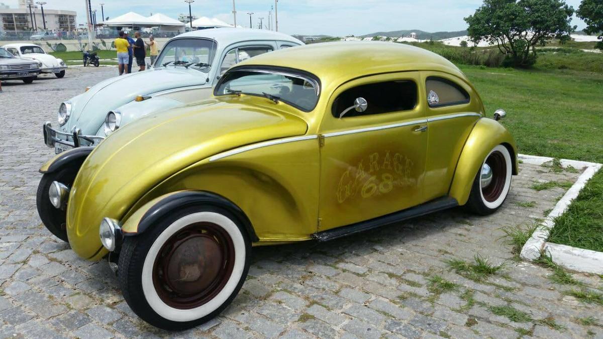 Encontro de Veículos Antigos expõe cerca de 300 modelos em evento que termina neste domingo em Cabo Frio, no RJ