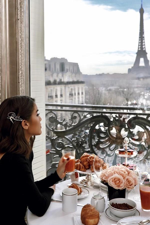 Camila Coelho em hotel em Paris (Foto: Instagram/Reprodução)
