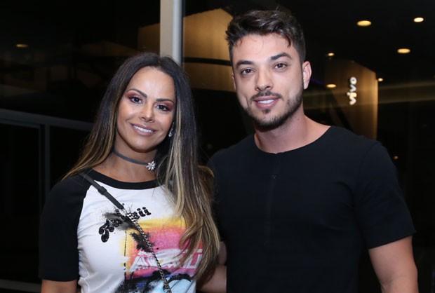Viviane Araújo e Klaus Barros (Foto: AgNews / Anderson Borde)