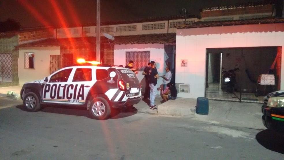 Homem é assassinado no mesmo dia em que deixou a prisão, em Fortaleza.  — Foto: Ricardo Mota