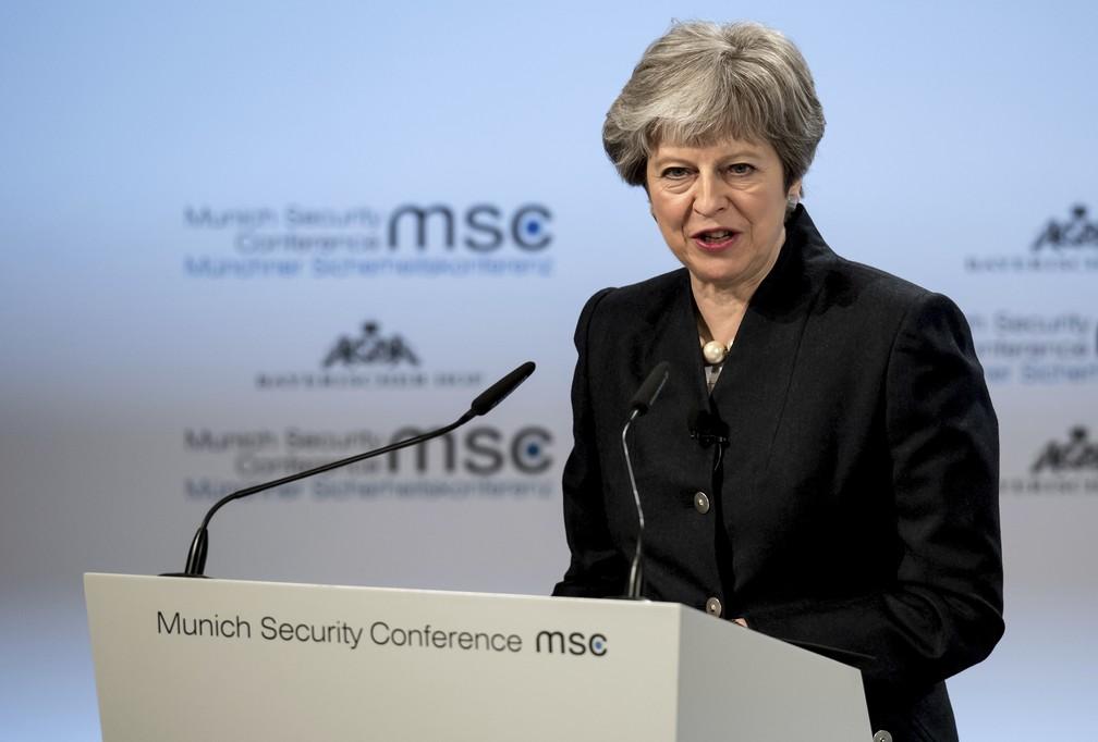 Theresa May defende cooperação em matéria de segurança na União Europeia