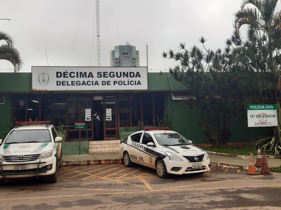 Fachada da 12ª Delegacia de Polícia, em Taguatinga — Foto: Carolina Cruz/G1