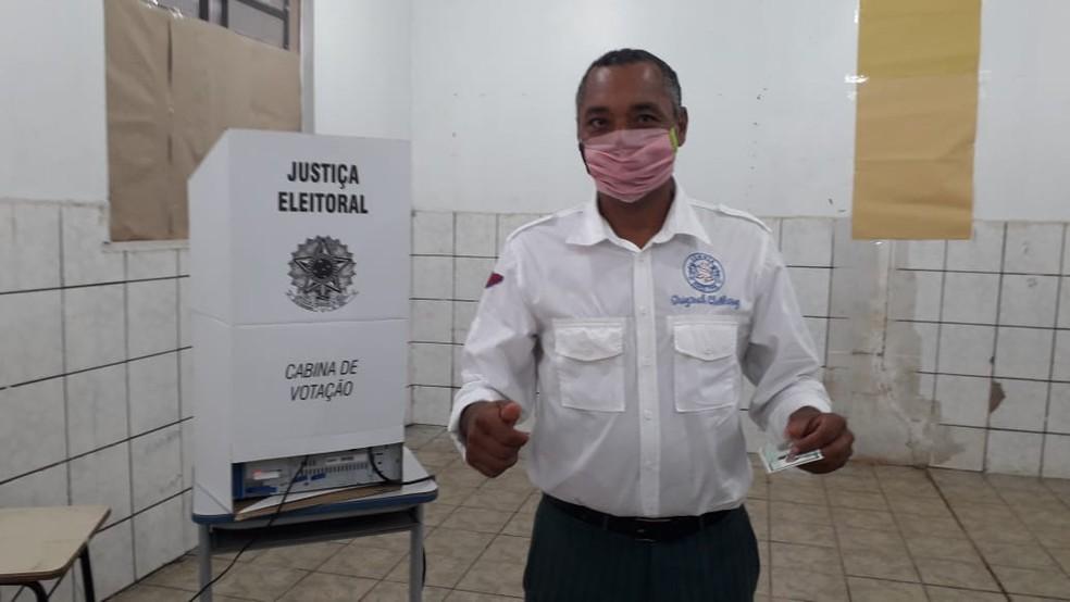 Eleição 2020: Candidato Geneci Gonçalves vota em Porto Velho — Foto: Gustavo Luz/Rede Amazônica