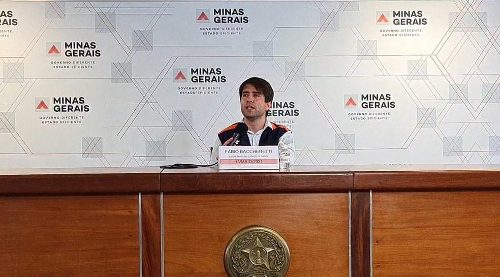 Secretário de Estado de Saúde, Fábio Baccheretti, em coletiva de imprensa — Foto: Reprodução/ Governo de Minas