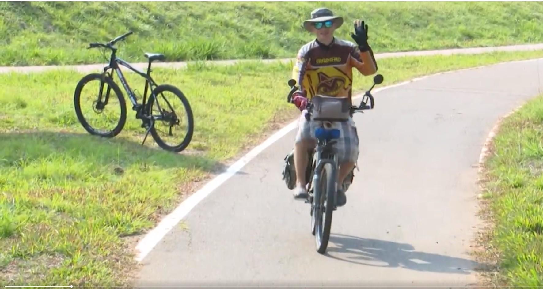 Após AVC, russo decide conhecer o mundo de bicicleta e passa pelo Acre: 'a vida é muito curta' - Notícias - Plantão Diário