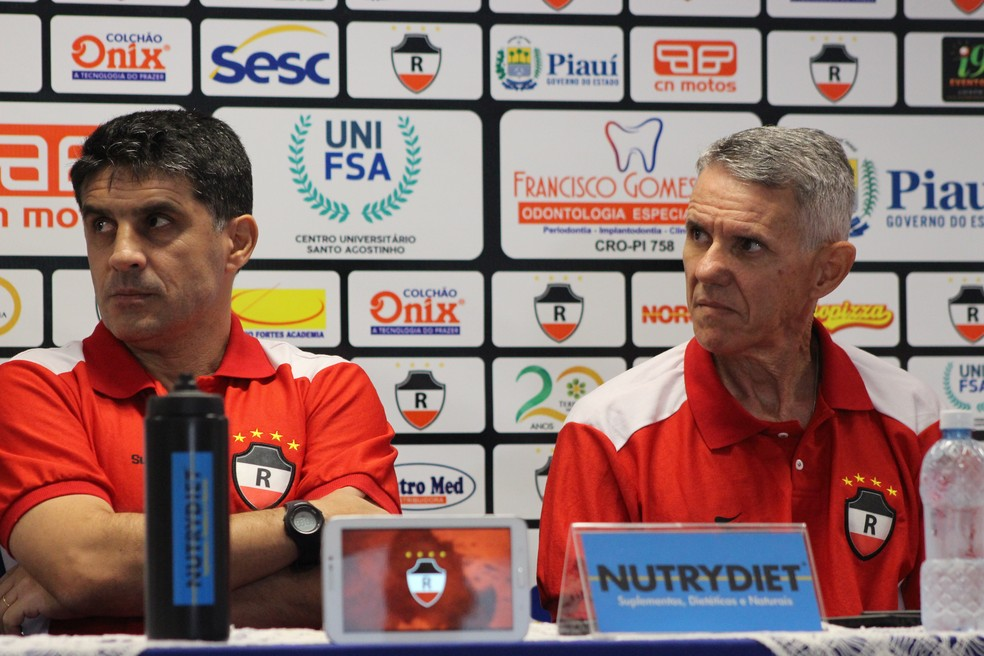 Wallace Lemos e Jonas Godoy, técnico e preparador físico, vão conduzir pré-temporada no Poleiro (Foto: Stephanie Pacheco)