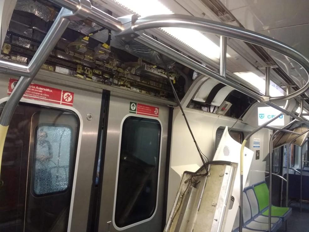 Parte interna do trem envolvido em colisão no Metrô do Recife — Foto: Reprodução/WhatsApp