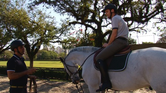 Aprenda a andar a cavalo com Doda