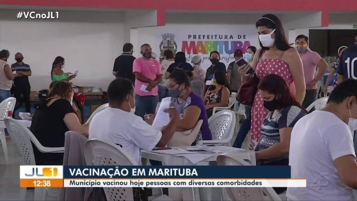 Primeiro dia de vacinação de pessoas com comorbidades é marcado por filas e aglomerações em Marituba