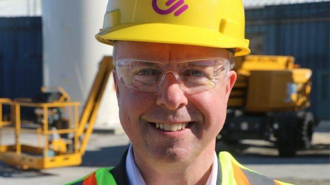 CEO da Carbon Engineering, Steve Oldham; a empresa diz que dinheiro das grandes petroleiras é bem recebido como investimento na nova tecnologia (Foto: Reprodução/BBC)