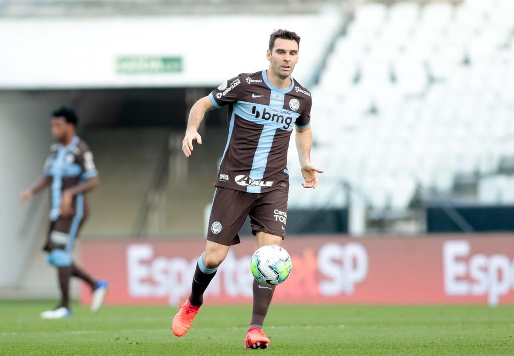 [COMENTE] De volta após lesão, Mauro Boselli ainda tem vaga no ataque do Timão?