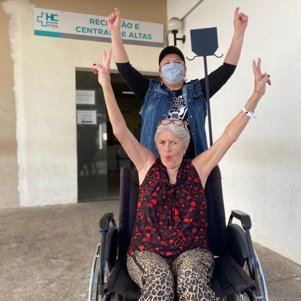 Primeiro caso de Covid-19 em Botucatu ganha alta sob aplausos: 'De 10 pessoas, só eu sobrevivi' — Foto: Arquivo Pessoal/Vanessa Teixeira