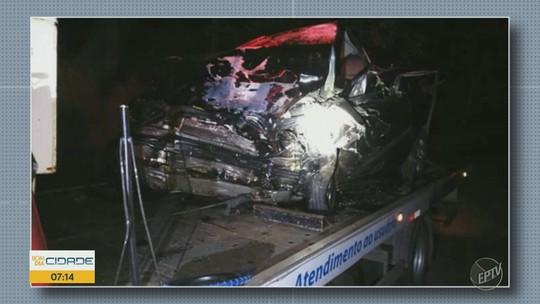 Carros batem de frente em rodovia de Socorro e acidente mata três pessoas