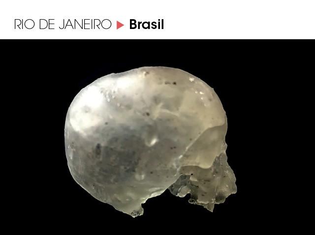 Itens destruídos no incêndio do Museu Nacional, como o crânio de Luzia, amuletos egípcios, um fóssil de crocodilo, vasos milenares e o caixão de uma múmia — estão sendo montados no tamanho original através de uma pesquisa com impressão 3D (Foto: Divulgação)