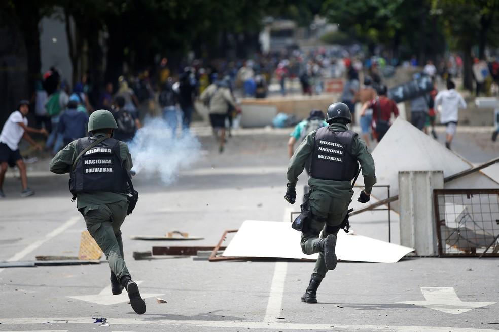 Polícia dispersa manifestação de opositores a Maduro em Caracas, em imagem de arquivo — Foto: REUTERS/Andres Martinez Casares