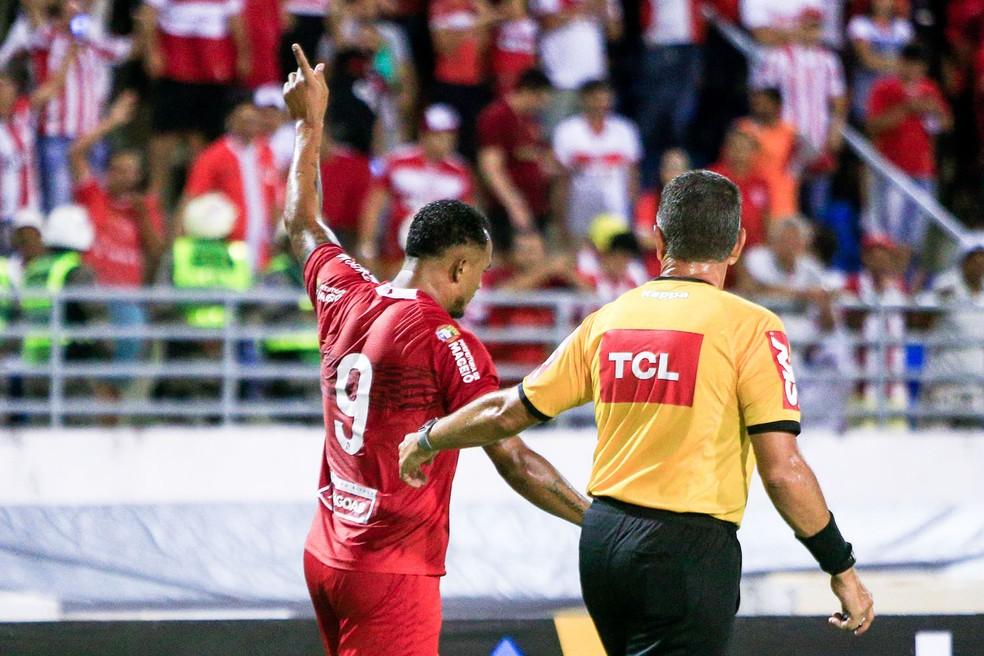 Zé Carlos deixa o CRB — Foto: Ailton Cruz / Gazeta de Alagoas