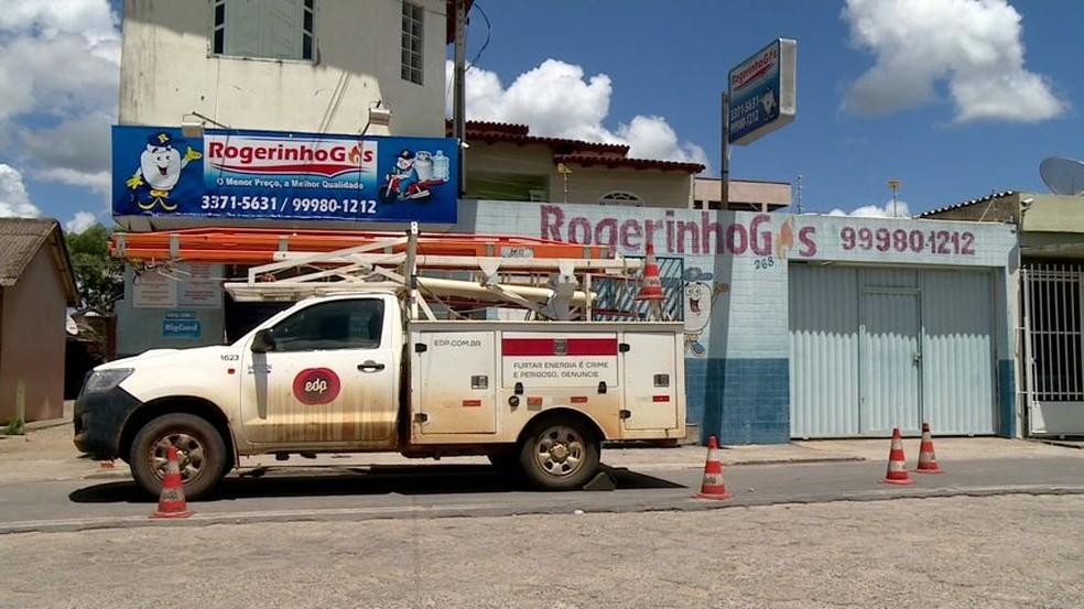 Casa do vereador Rogerinho do Gás fica anexa ao estabelecimento comercial dele — Foto: Reprodução/TV Gazeta