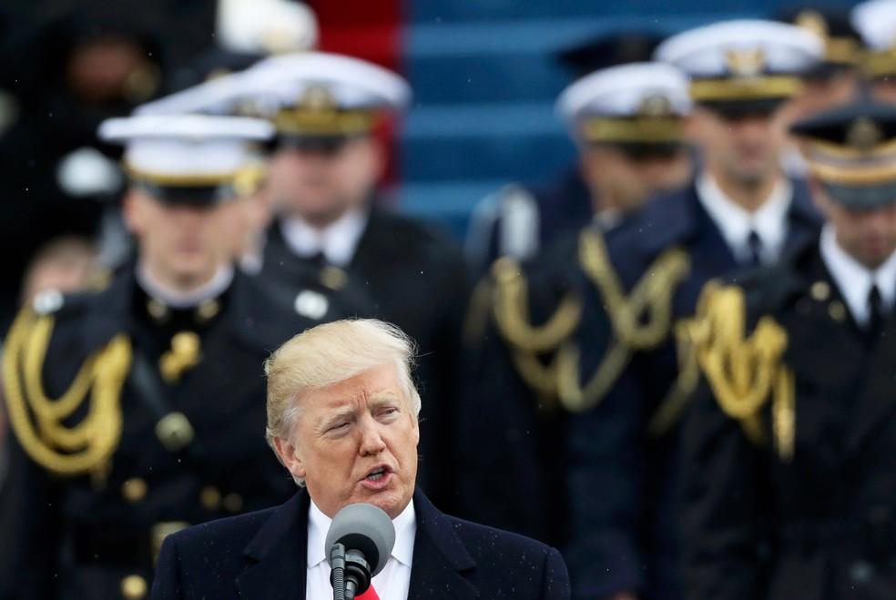 Donald Trump discursa na cerimônia de posse como presidente dos EUA, em 20 de janeiro de 2017 (Foto: Carlos Barria/Reuters)
