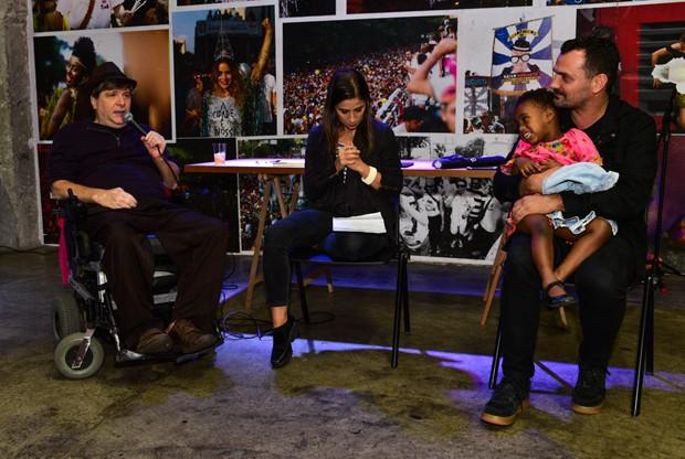 Marcelo Rubens Paiva e Alê Youssef com a filha, Julia  (Foto: Leo Franco/Agnews)