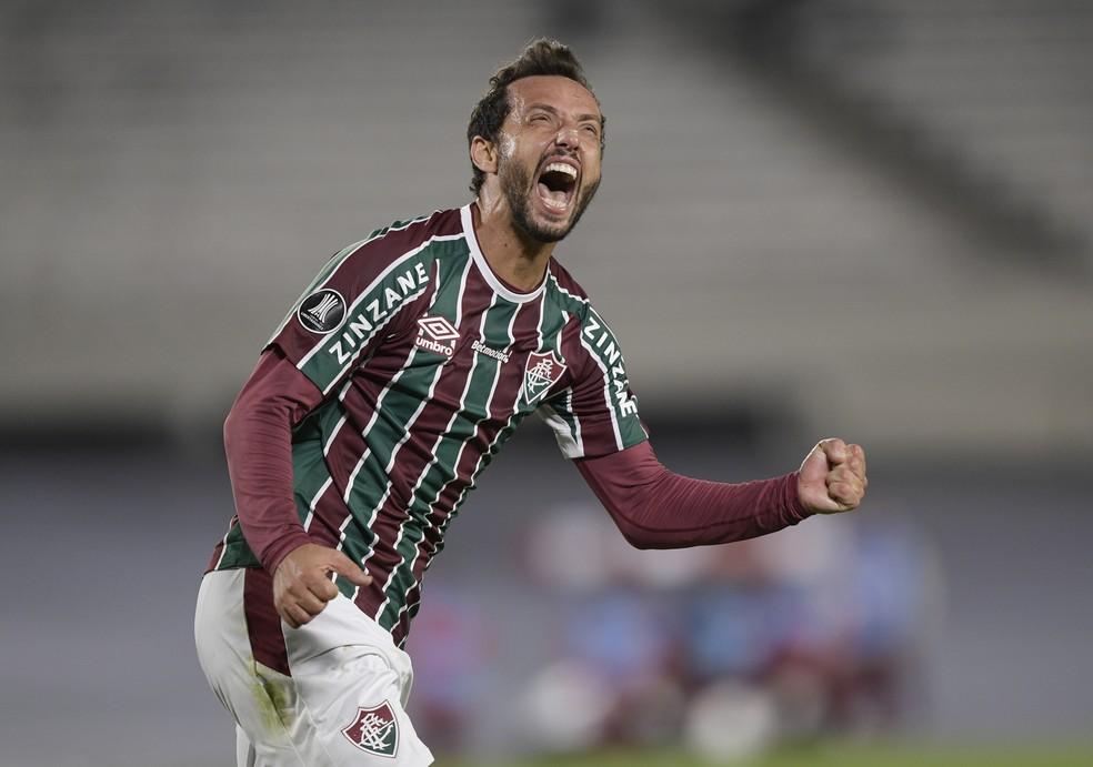 Nenê se tornou o jogador mais velho do Fluminense a fazer gol na Libertadores — Foto: Reuters