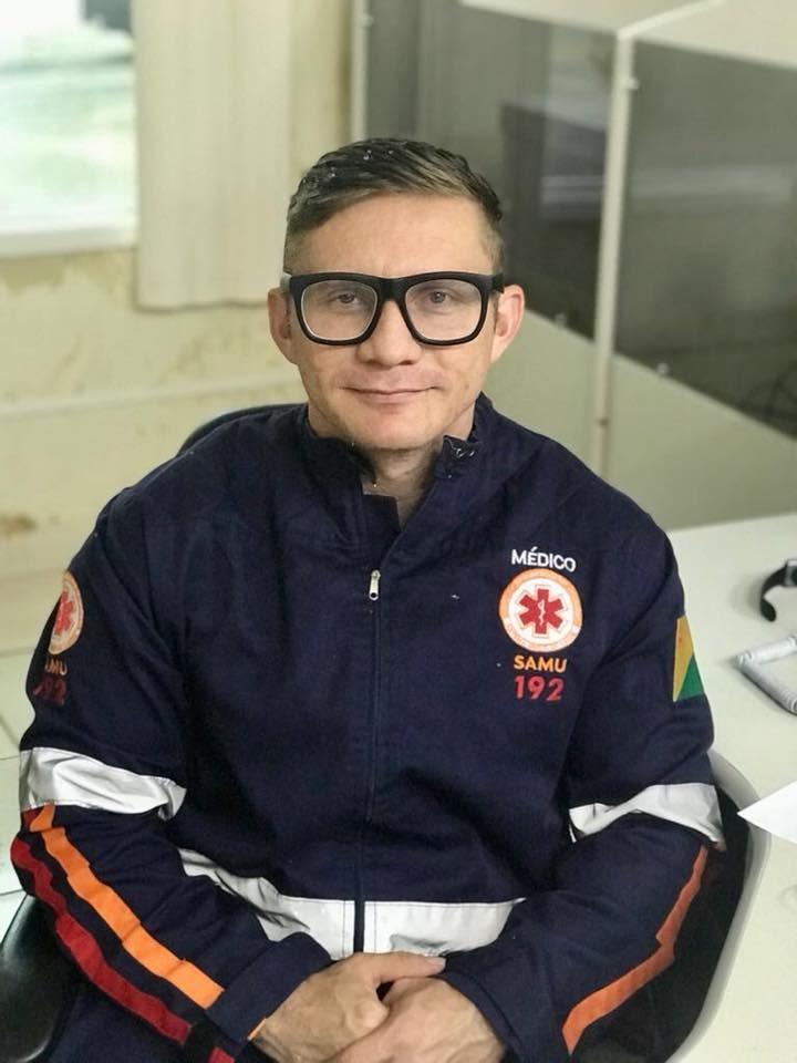 Médico é levado à delegacia durante operação de combate à venda ilegal de anabolizantes no Acre - Notícias - Plantão Diário