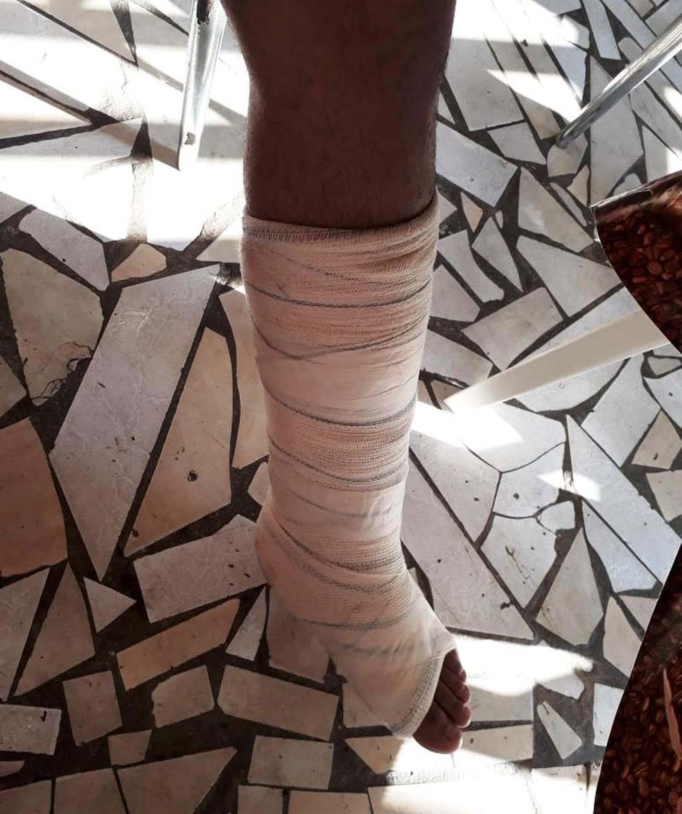 Vendedor levou marretadas de de pastor após se recusar a fazer negócio em São Vicente, SP — Foto: Reprodução/Redes Sociais