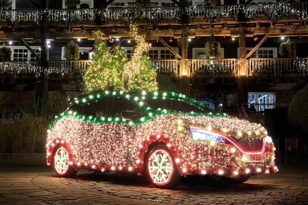 Nissan Leaf árvore de natal  (Foto: Divulgação )
