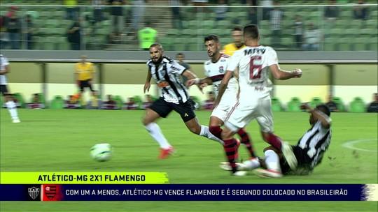 """Jornalista analisa derrota do Flamengo  com um a mais: """"Estava melhor no 11 contra 11"""""""