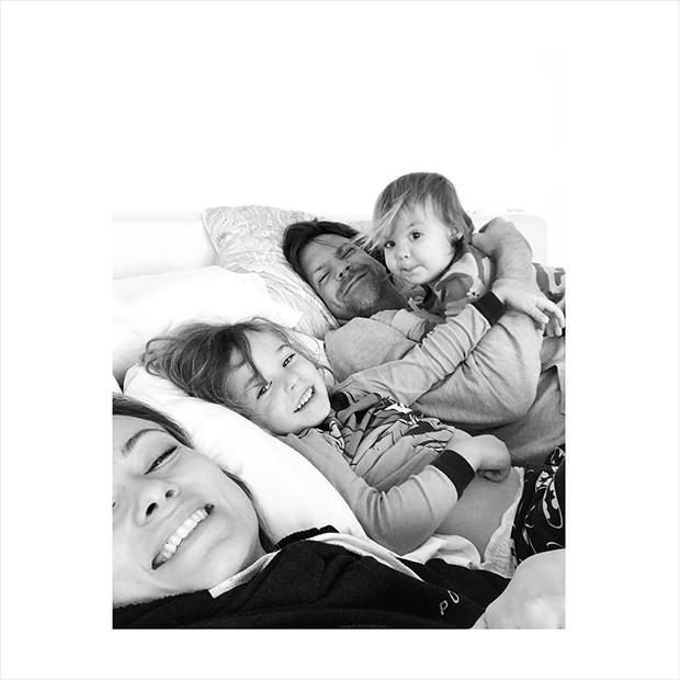 Olivia Wilde, Jason Sudeikis, Otis e Daisy (Foto: Reprodução/Instagram)