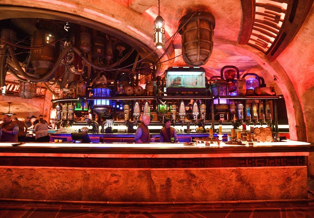 A cantina de Oga, no parque Star Wars: Galaxy's Edge, em Anaheim, Califórnia (Foto: Jeff Gritchen/MediaNews Group/Orange County Register (Getty Images))