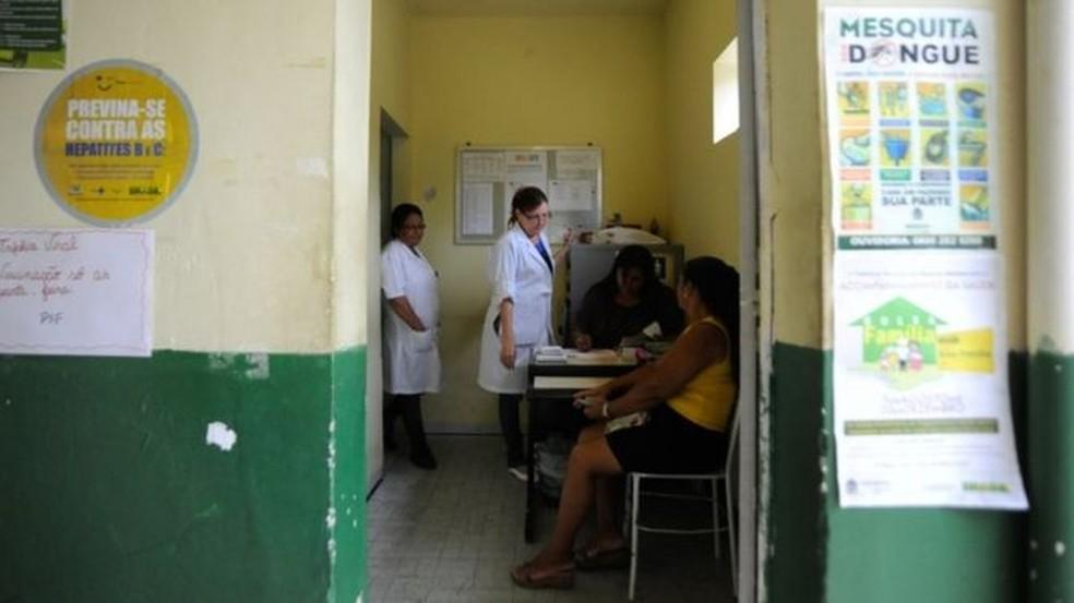 Clínica de saúde da família na Baixada Fluminense, no RJ; pesquisa avaliou impacto da austeridade sobre programas de atenção primária — Foto: Tania Rego/Agência Brasil