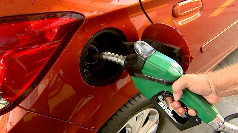 -  Preço de combustível aumentou em Uberlândia no mês passado comparado a março  Foto: Cláudio Oliveira/EPTV