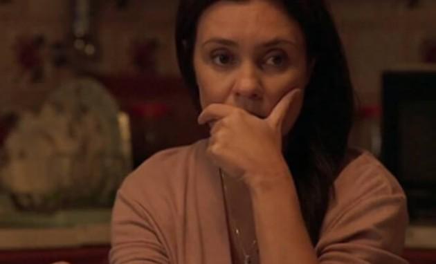 """Adriana Esteves é Thelma em """"Amor de mãe&squot; (Foto: Reprodução)"""