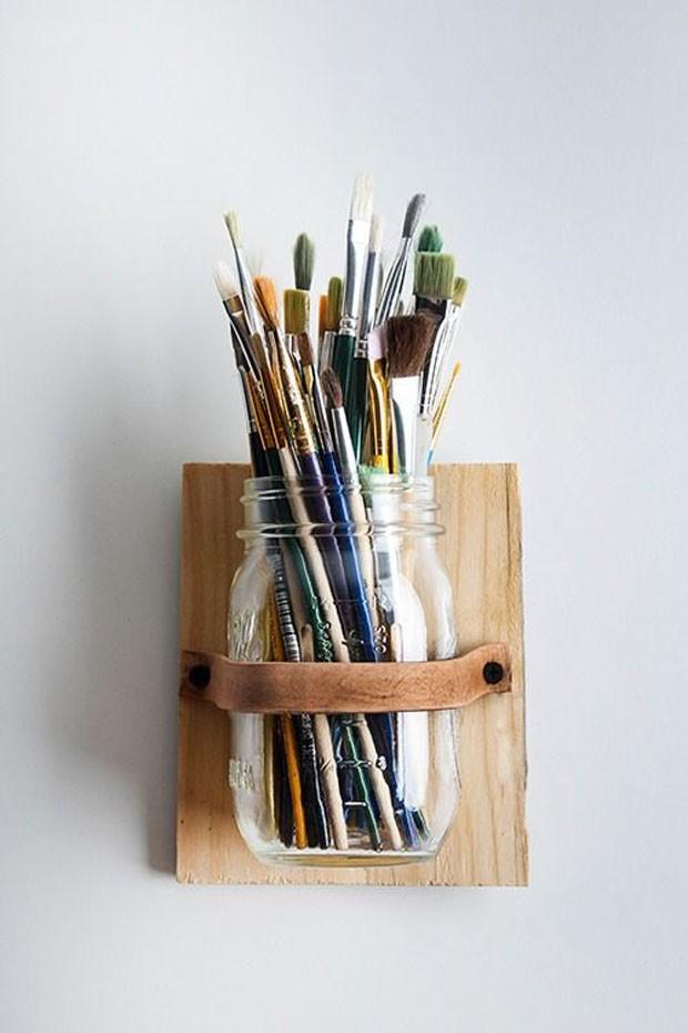 Potes de vidro: Guarde seus pincéis! (Foto: Pinterest/Reprodução)