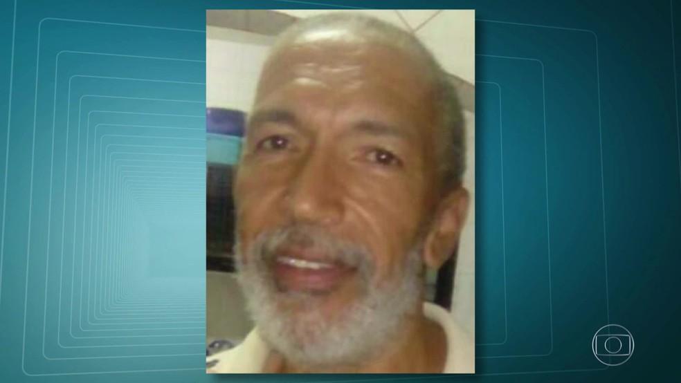 O subtenente reformado William dos Santos Pinto, de 54 anos, foi morto em um bar em São Gonçalo, na Região Metropolitana do Rio. (Foto: Reprodução/ TV Globo)