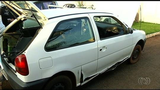PM apreende 50 kg de maconha na lataria de carro em rodovia de Goiás