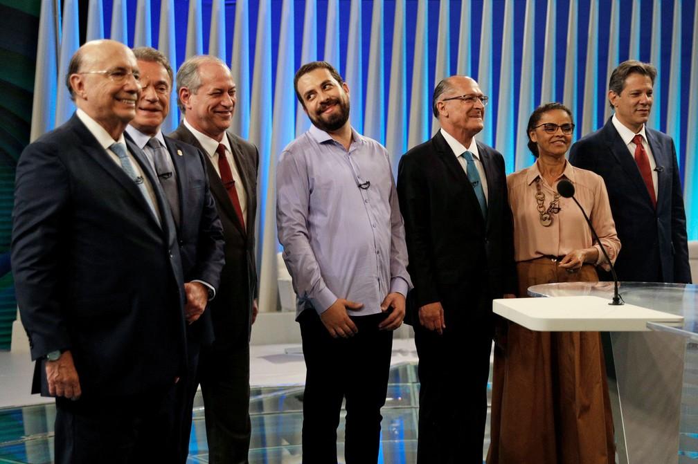 Candidatos à Presidência da República posam para foto antes do debate da Globo — Foto: Ricardo Moraes/Reuters