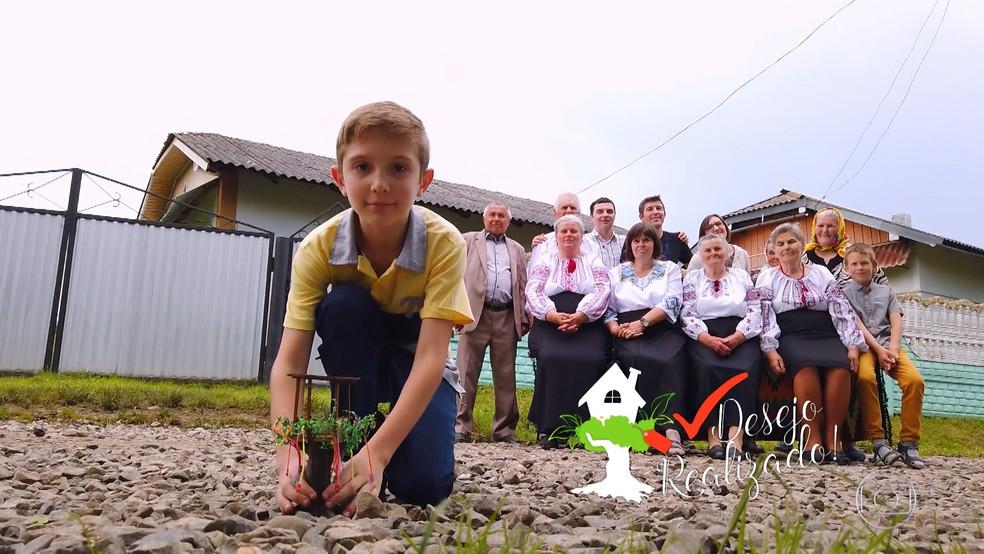 O pedido de Juan Andrey foi levar os pais para conhecerem a família na Ucrânia — Foto: TV Globo