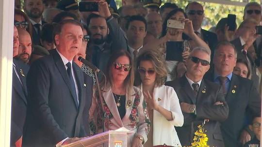 'Precisamos da mídia para que chama da democracia não se apague', diz Bolsonaro