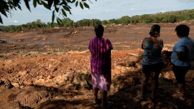 Segundo o TCU, a Agência Nacional de Mineração, responsável por garantir a segurança das barragens do Brasil, não tem mecanismos de controle para evitar conflitos de interesse, nepotismo, fraudes e corrupção (Foto: REUTERS/WASHINGTON ALVES via BBC)