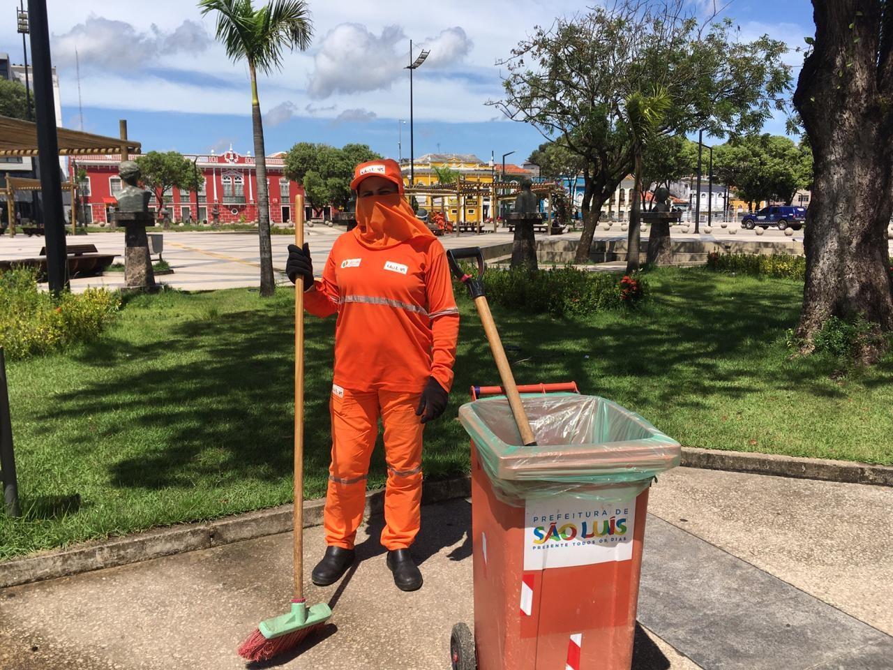 Gari alerta sobre descarte irregular de máscaras em ruas de São Luís: 'Falta educação'