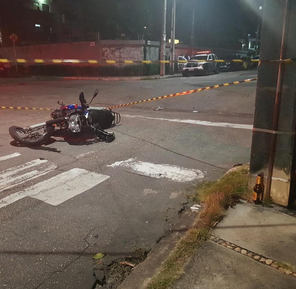 Professor morre após ser atropelado por carro em fuga. — Foto: Rafaela Duarte/ Sistema Verdes Mares