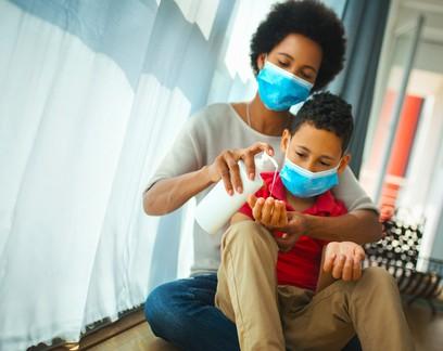 """""""Mesmo com a vacina, a pandemia ainda afetará as crianças por muitos anos"""", diz Unicef"""