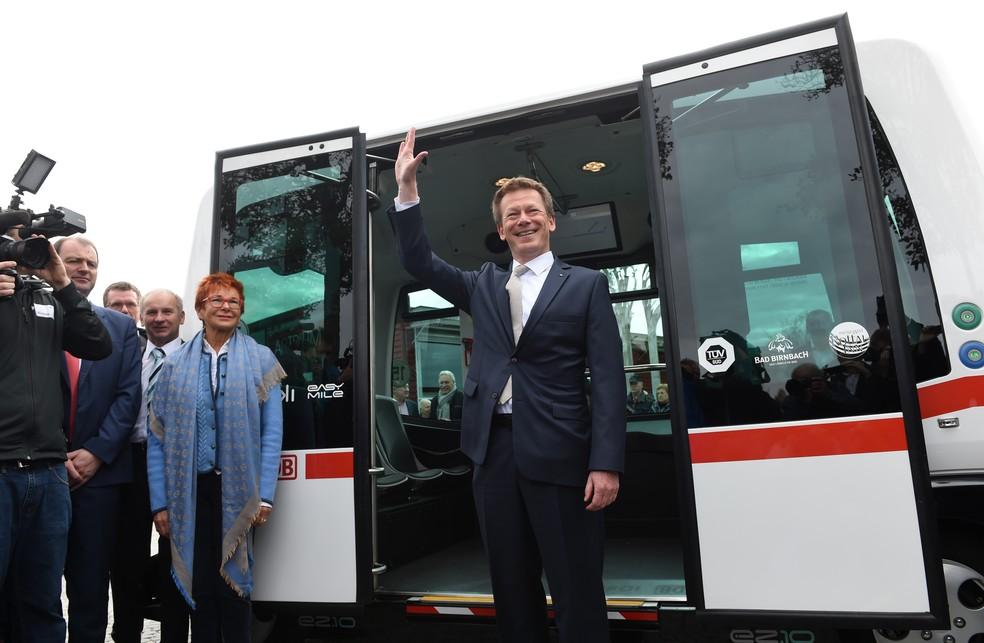 Ônibus autônomo começa a rodar na Alemanha (Foto: Christof Stache/AFP)