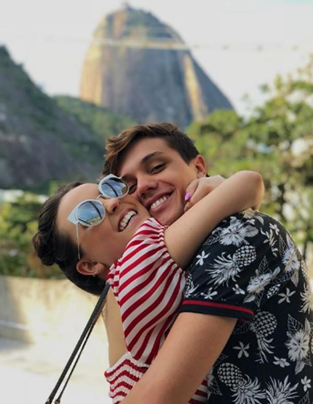 Larissa Manoela e Léo Cidade (Foto: Reprodução/Instagram)