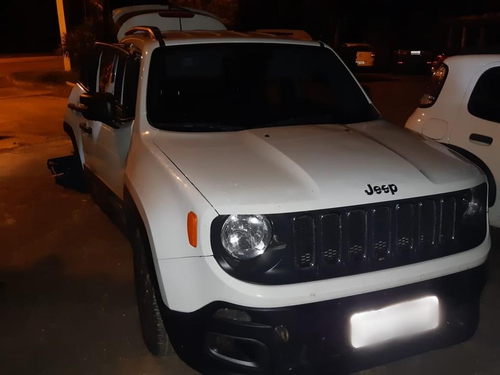 Jeep onde fuzil era transportado em Rondônia — Foto: PRF/Divulgação