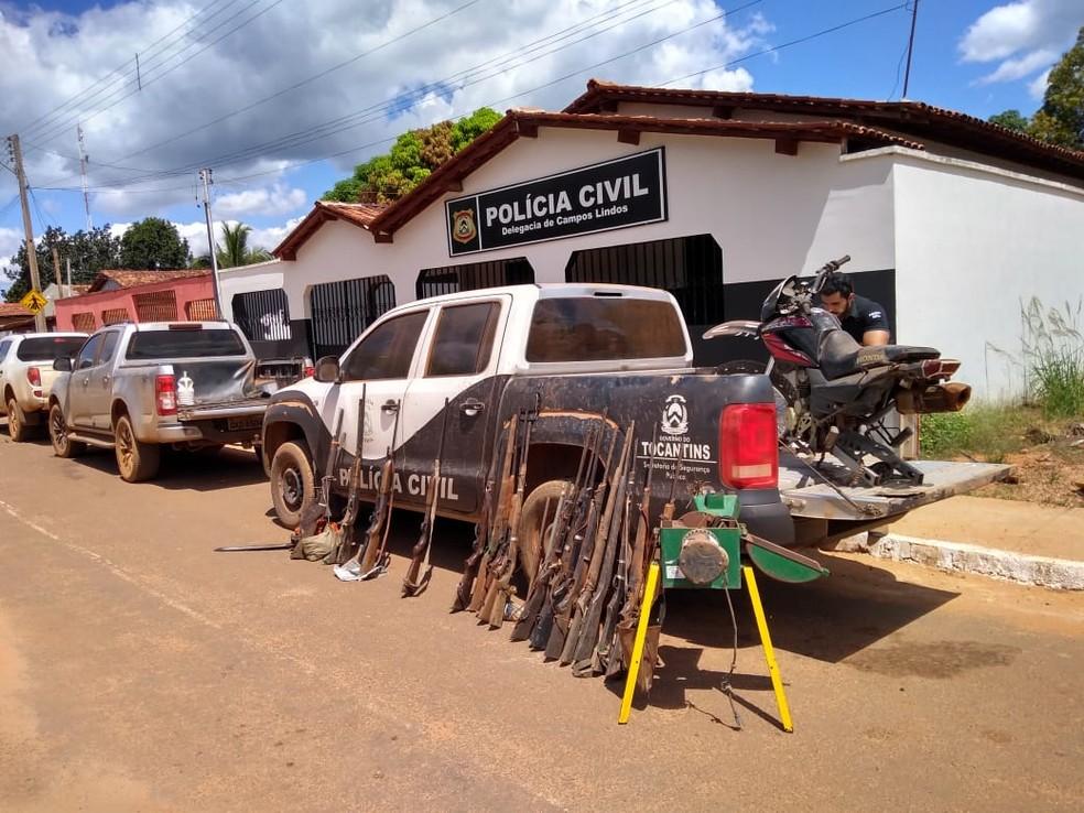 Armas de fogo foram apreendidas em Campos Lindos — Foto: Divulgação/Polícia Civil