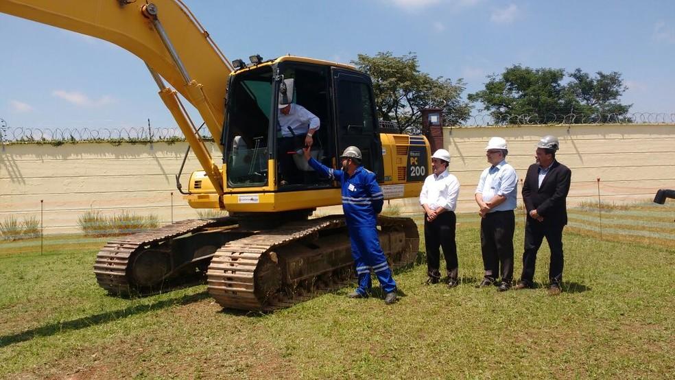 Obras para duplicação da Rodovia Mogi-Dutra começaram nesta quinta-feira, 14 (Foto: Maiara Barbosa/G1)